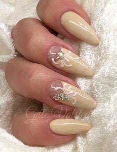 Gel polish negle, her med diamanter og lidt 3D nail art. Se alle vores negle produkter på nail4you.dk Nailart, Manicure, Beauty, Diamond, Nail Bar, Nails, Polish, Manicures, Beauty Illustration