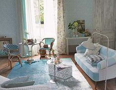 De cara a la primavera, los azules se aclaran y combinan con blancos para hacerlos más radiantes.