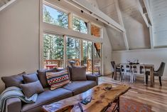 A 1960s Lake Tahoe cabin with cool modern features
