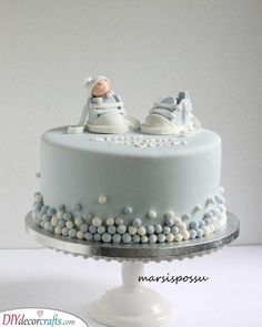 Make sure you get a cake for the shower which reflects just that! We have collected 25 baby shower cake ideas for boys! Baby Shower Cakes For Boys, Baby Boy Cakes, Baby Boy Shower, Gold Baby Showers, Baby Christening Cakes, Gateau Baby Shower, Baby Birthday Cakes, Shower Bebe, Baby Feet