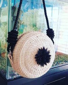 Creando estilos para ti 🌺🌺no te quedes sin el tuyo. 😊 Entregas gratis en Medellín #medellin  #ventas Crochet Hats, Fashion, Knitting Hats, Moda, La Mode, Fasion, Fashion Models, Trendy Fashion