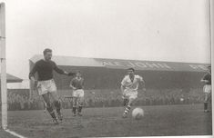 Workington Reds v Manchester United FA cup Jan Harry Gregg and Duncan Edwards in the photo with Ken Chisholm for Reds. Manchester United Fa Cup, Duncan Edwards, Bill Shankly, Liverpool Fc, All About Time, To Go, The Unit, Football, History