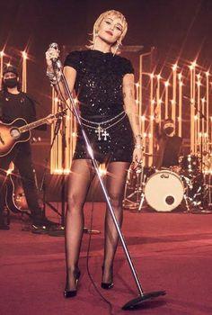 Miley Cyrus Outfit, Miley Cyrus Hair, Miley Cyrus Style, Black Sequin Dress, Black Sequins, Miley Cyrus Performance, Christian Louboutin Black Pumps, 1 Live, Bbc Radio