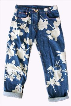 There's a whole lot of blue out here in Pinland, indigo blue and I love it. #Vivienne #Westwood denim jeans from 90s