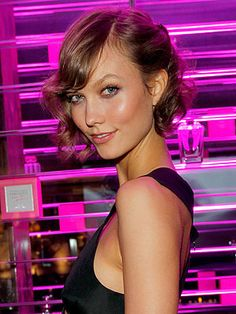 Karlie Kloss Victorias Secret - short bobbed curls