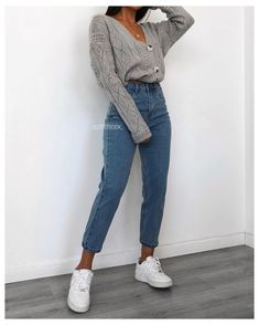 Cute Casual Outfits, Simple Outfits, Cute Everyday Outfits, Winter Fashion Outfits, Look Fashion, Uni Fashion, Mom Jeans Outfit, Outfits With Mom Jeans, Mom Pants