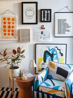 The Prints You Need to Complete Any Room Home Living Room, Living Room Decor, Bedroom Decor, Wall Decor, Interior Design Inspiration, Home Decor Inspiration, Home Interior Design, Interior Styling, Image Deco
