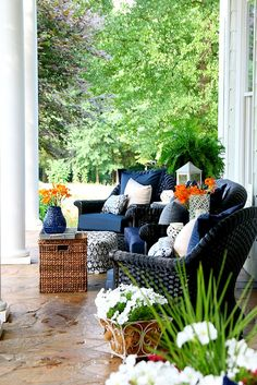 Easy outdoor decor ideas that you can do today from Duke Manor Farm