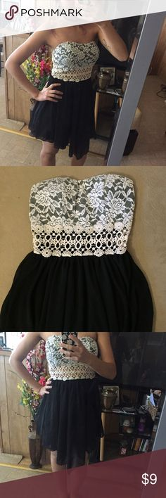 strapless embroidered dress it's super cute, padded chest, size S. listed brand for views Boohoo Dresses Strapless