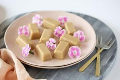 This delicious healthy Russian Fudge is melt in your mouth good. Made with five simple ingredients and no blenders required, if you loved fudge as a kid but haven't indulged for a while, here's your chance to rekindle that romance!Th...
