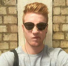 Josh Pieters Round Sunglasses, Mens Sunglasses, British Youtubers, Ballerina, Addiction, Crushes, Ideas, Art, Art Background