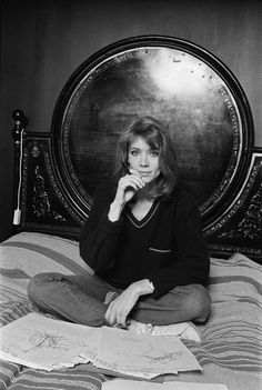 Françoise Hardy reading astral charts at her home in Paris, 1977 Françoise Hardy, All The Young Dudes, 60s Music, Gilmore Girls, My Crush, My People, Most Beautiful Women, Retro Fashion, Cool Girl