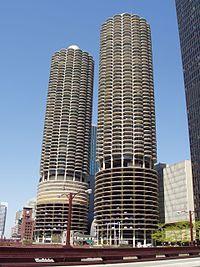 Google Image Result for http://upload.wikimedia.org/wikipedia/commons/thumb/f/ff/Marina_City_-_Chicago,_Illinois.JPG/200px-Marina_City_-_Chicago,_Illinois.JPG