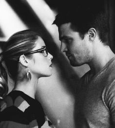 Olicity moments - I ship this SO MUCH! Gahhh!