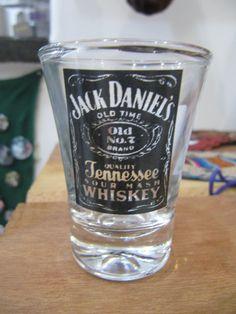Copo Shot com estampa da Jack Daniels R$20,00