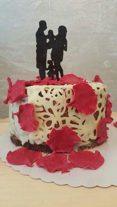 Still in love :-) Happy anniversary Still In Love, Happy Anniversary, Cake, Desserts, Food, Galaxies, Pies, Happy Brithday, Tailgate Desserts