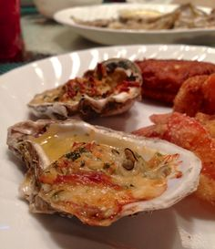 garlic parmesan baked oysters – cooking from the heart garlic parmesan baked oysters dad's recipe 1 dozen fresh oysters (we got whole oysters and shucked them ourselves because we were at the beach but oysters already on the half shell are perfec… Garlic Parmesan Shrimp, Baked Garlic, Parmesan Sauce, Fish Recipes, Seafood Recipes, Cooking Recipes, Cooking 101, Diabetic Recipes, Kitchens