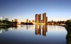 Campo Grande é a capital de Mato Grosso do Sul. Campo Grande foi fundada por mineiros, que vieram aproveitar os campos de pastagens nativas e as águas cristalinas da região dos cerrados.