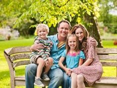 Outdoor Family Portrait Ideas