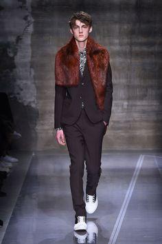 #LIVE Marni Menswear Fall/Winter 2016/2017 - Milan…