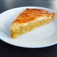 Very very easy frangipane cake - the icing on the jersey - Seafood Recipes Pear And Almond Tart, Coconut Tart, Tart Recipes, Vegan Recipes Easy, Cooking Recipes, Dessert Party, Vegan Apple Tart Recipe, Mango Tart, Desert Recipes