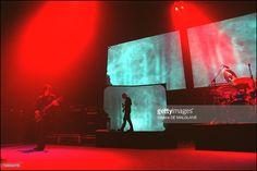 tool-performs-live-at-the-olympia-in-paris-france-on-may-10-2002-picture-id124044776 (1024×684)