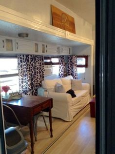Rv Campers, Happy Campers, Retro Campers, Vintage Campers, Glamping, Travel Trailer Remodel, Cool Curtains, Hanging Curtains, Camper Makeover