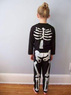 DIY Halloween Costume : DIY Paper Skeleton Costume