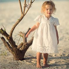 2017 Summer Toddler Girls Infant Kids Cotton Embroidered Dress White Princess Hollow Lace Sleeveless Dress 3 4 5 6 7 8 9 Year