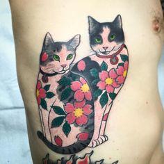 Done! #monmoncat #monmoncats #cat #cats #cattattoo #catart #tattooedcat #tattooedcats #teboricats #neko #horitomo #tattoos #putacatonit