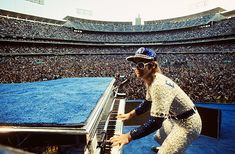 Elton John on stage dodger Stadium 1975. USA