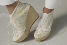 Espadrilles white and gold lace Versalles Eduard Castillo Barcelona