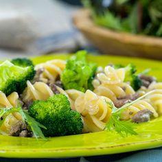 Pasta med karbonadedeig og brokkoli