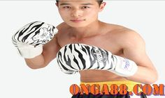 honeypick♠️♠️♠️ONGA88.COM♠️♠️♠️honeypick: 123뱃☻☻☻ONGA88.COM☻☻☻123뱃 Mma Gloves, Boxing Gloves, Muay Thai, Fighting Gloves, Thai Boxe, Tiger Stripes, Leather Gloves, Sport Outfits, Gym Shorts Womens