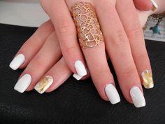 model-unghii-gel-alb-auriu-cluj