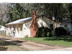 Wendy Kahn Robson SOLD 1035 Venice St. Longmont on September 9, 2016 for $278,000.