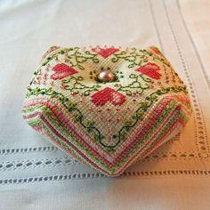 Hearts - biscornu pattern