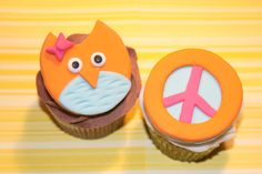 Items similar to Fondant cupcake toppers - Hippie Chick Owl Peace Sign on Etsy Fondant Cupcake Toppers, Cupcake Cakes, Peace Cake, Frozen Fondant, 60s Party, Hippie Chick, Themed Cakes, Cookie Decorating, Owl