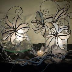 ユリのオブジェ|立体・オブジェ|更紗|ハンドメイド通販・販売のCreema Stained Glass Lamp Shades, Glass Boxes, Candle Holders, Creema, Candles, Flowers, Stained Glass, Porta Velas, Candy