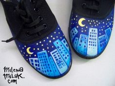 I like this design, except I would probably only  paint one moon and make it one scene across both shoes... Never thought a skyline could be cute. ^-^