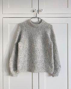 Ravelry: Novice Sweater pattern by PetiteKnit Sweater Knitting Patterns, Hand Knitting, Big Knit Blanket, Big Knits, Bind Off, Alpacas, Stockinette, Alpaca Wool, Knitted Bags