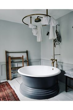 Round Bath - An 18th-century house in Bath transformed into a stylish traditional B&B - real homes on HOUSE by House & Garden.