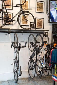 Amazing bike storage ideas you just have to see 17 Bicycle Store, Buy Bike, Velo Shop, Range Velo, Bike Hanger, Bicycle Decor, Bike Room, Cycle Shop, Ideas