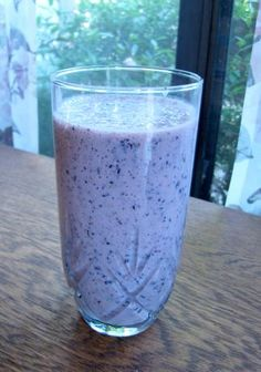 Blueberry & Green Tea Smoothie by Prevention Magazine via CoffeeB, food.com #Smoothie #Blueberry_Green_Tea_Smoothie #Prevention_Magazine #food_com