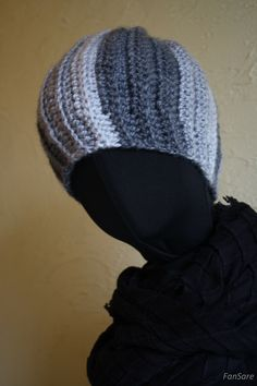 Ciepła czapka dla spokojnego chłopaka. Trzy odcienie szarości.