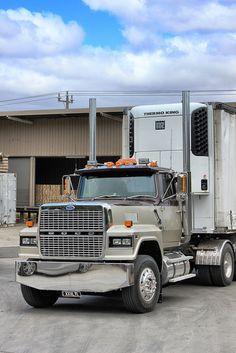 Ford LTL by Trucker Dan, via Flickr