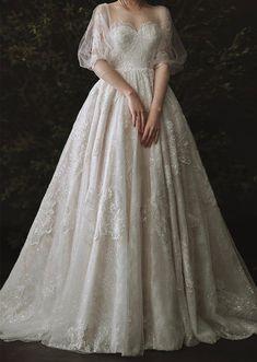 Elegant Wedding Dress, Bridal Wedding Dresses, Dream Wedding Dresses, Wedding Bride, Pretty Dresses, Beautiful Dresses, Applique Wedding Dress, Lace Applique, Sweetheart Bridal