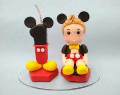 Topo de Bolo Mickey feito em biscuit.  Personalize como quiser.  Consulte outros temas.