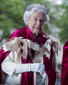 Queen Elizabeth II, in ceremonial robes of the Order of the Bath, 2014. Photo taken at the Order of the Bath service held at Westminster Abbey on 9 May 2014.