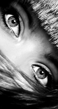 Risultato immagini per Ho un angolo nell'anima oscura, macchiando la luce delle parole con l'ombra.
